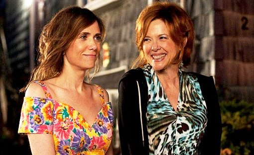 Kristen Wiig and Annete Bening in 'Girl Most Likely'.