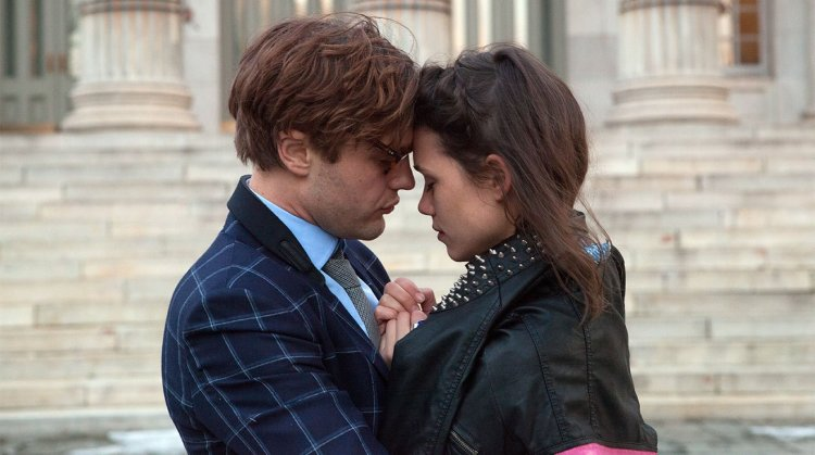 Michael Pitt and Astrid Berges-Frisbey in 'I Origins' (Fox Searchlight)