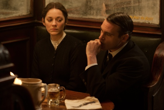 Marion Cotillard, Joaquin Phoenix in 'The Immigrant' (Weinstein Company)