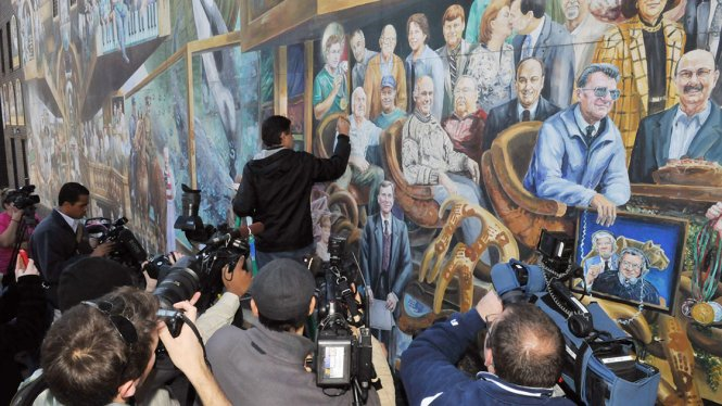 Painting over Jerry Sandusky at the Penn State mural in 'Happy Valley' (Music Box Films)