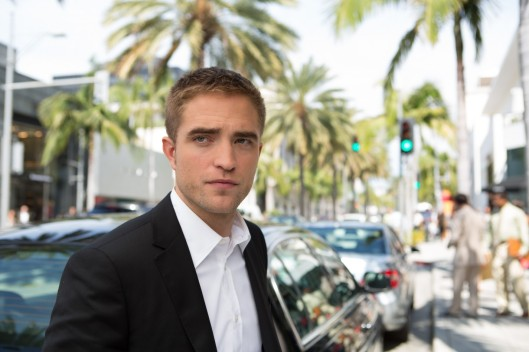 Robert Pattinson looks properly mystified in 'Maps to the Stars' (Focus World)