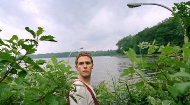 Iain De Caestecker tries to leave 'Lost River'