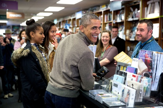 Something unlikely to be seen in the next four years: the President out buying books (Pete Souza)